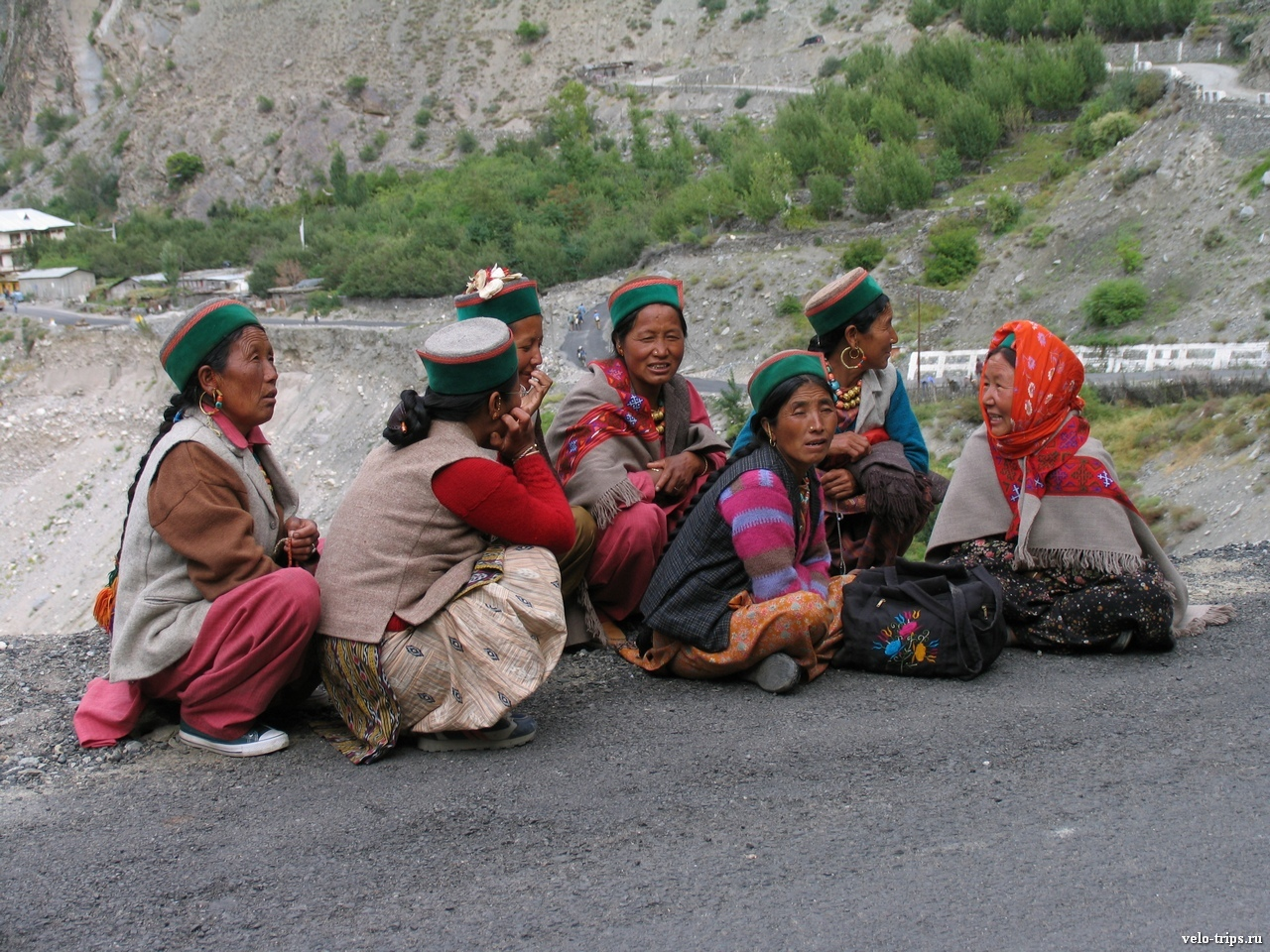 Kinnauri women on the road along Sutlej river in India