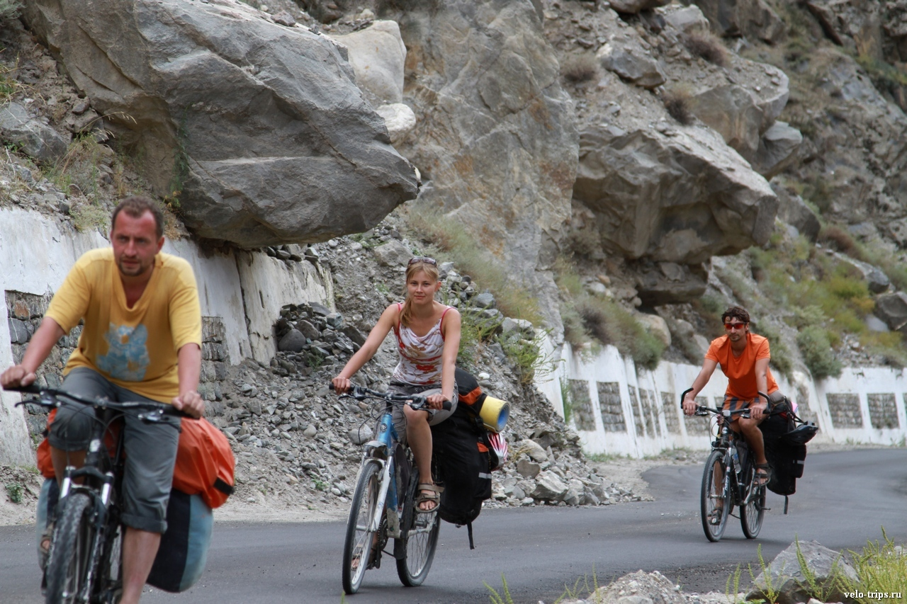 Bicycles on the new road along Sutlej river in Himalaya