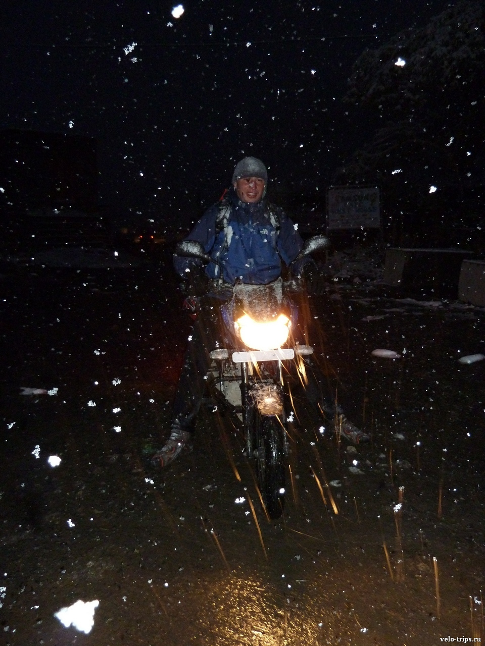 Andrey on moto in Losar, Himalayas