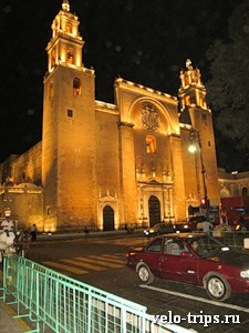 Mexico, Merida. Cathedral on the main square at night