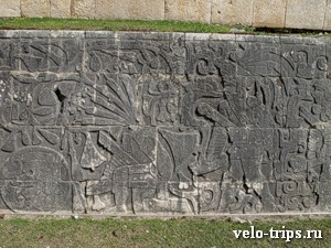 Mexico, Chichen-Itza. Wall work and pictures