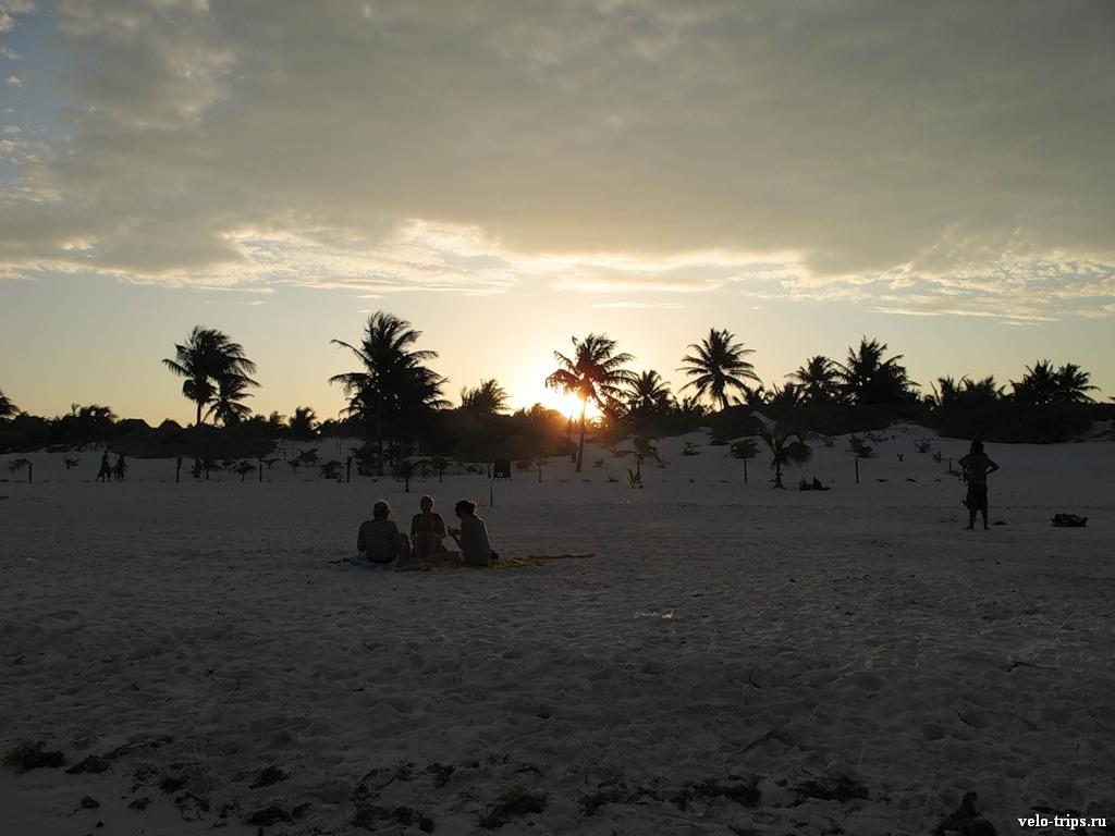 Ночевали на пляже 25