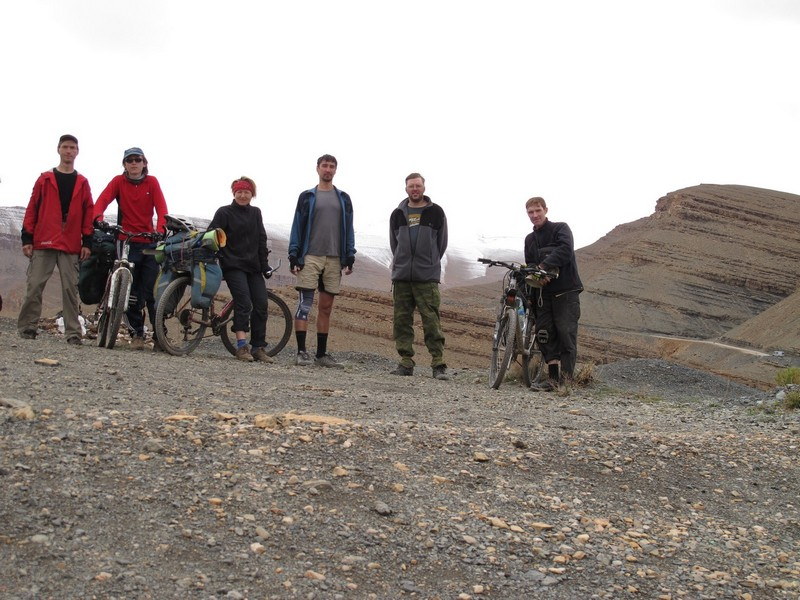 Morocco, Dades gorge. Bicycle group photo